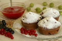 Muffinki z porzeczkami, malinami i agrestem