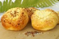Drożdżowki z serem