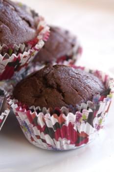 Muffinki z colą i wiśniami